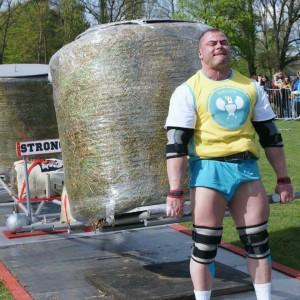 Janek Kozakiewicz Wiek 24 Wzrost 177 Waga 120 kg Gniezno.