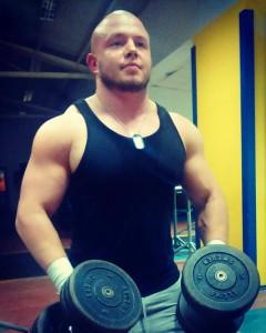 Łukasz Lipka zam. -Obsza Wiek - 23 Wzrost - 175cm Waga - 103kg