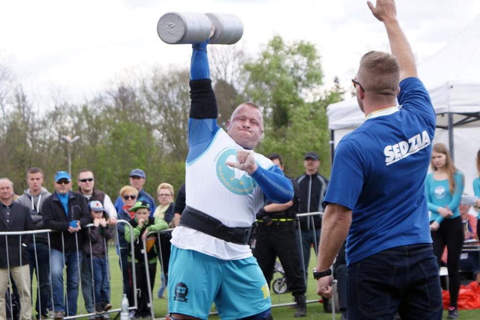 Krzysztof Kacnerski Wiek – 30 lat Zamieszkały – Gdańsk Waga – 105kg Krzysztof wywalczył w krajowych eliminacjach 3 miejsce.