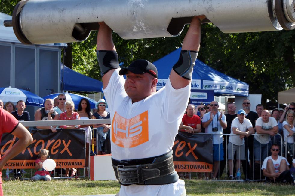 Mariusz Dorawa zamieszkały – Zblewo lat 25 waga 125kg Mariusz w krajowych eliminacjach uplasował się na miejscu 2