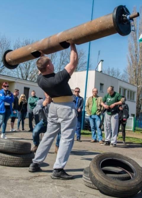 Kacper Sopata 19 lat waga 82kg wzrost 168cm